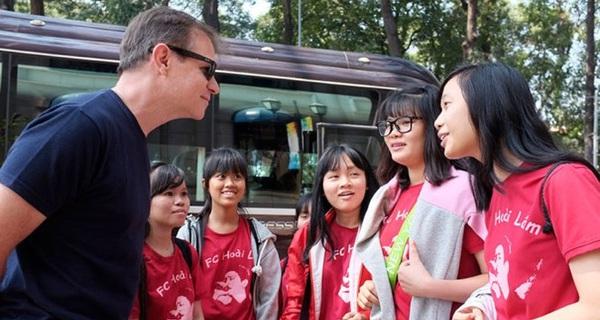 Bạn trẻ lo yếu ngoại ngữ, thiếu kỹ năng