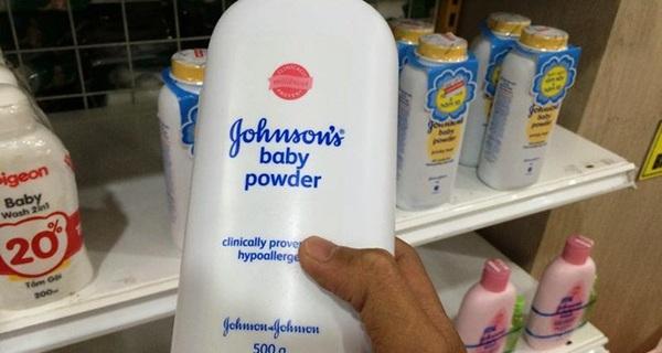 """Nghi vấn phấn rôm Johnson có chất gây ung thư: Johnson VN """"khất"""" câu trả lời"""