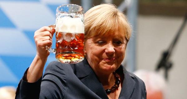 """Tại sao bia nhập khẩu không được bán ở Đức với tên gọi """"bia""""?"""