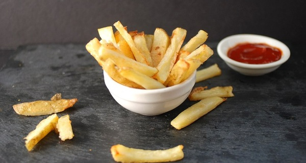 Chuỗi fastfood này vừa làm điều không cửa hàng nào dám làm, thay thế khoai tây chiên bằng rau xanh