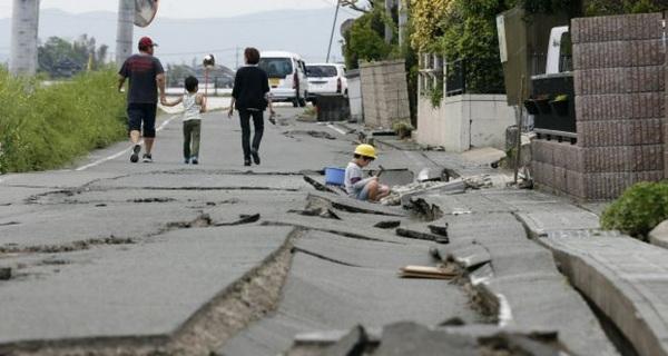 Thêm một lần, thế giới phải ngã mũ kính phục tình người trong thảm họa ở Nhật