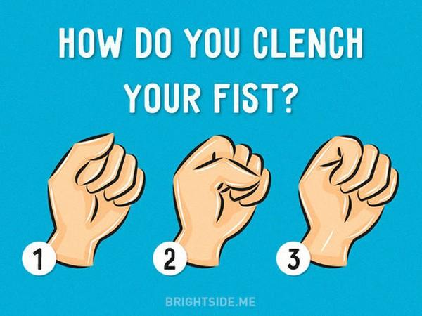 Cách nắm tay tiết lộ tính cách của bạn