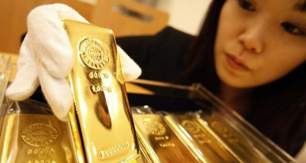 Hàng ngàn tấn vàng bán tháo, Putin âm thầm mua gom