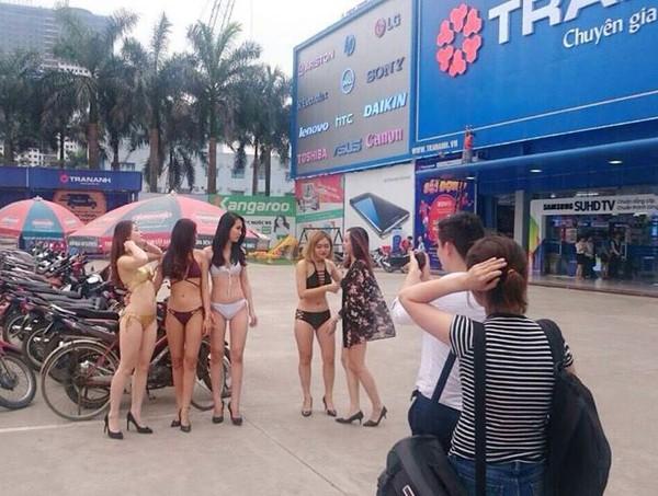 Chuyên gia marketing: 'Chiêu trò' dùng PG mặc bikini của Trần Anh chỉ hợp với đơn vị nhỏ, rất hại cho thương hiệu