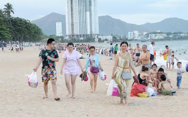 Khách Trung Quốc đến Sài Gòn tăng mạnh