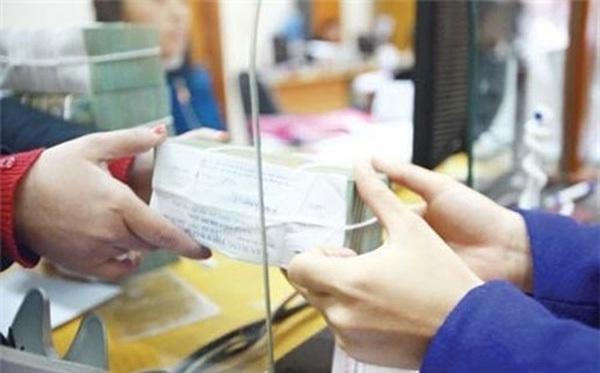 Một số ngân hàng hiện phải liên tục huy động tiền gửi mới trả lãi tiền gửi cũ
