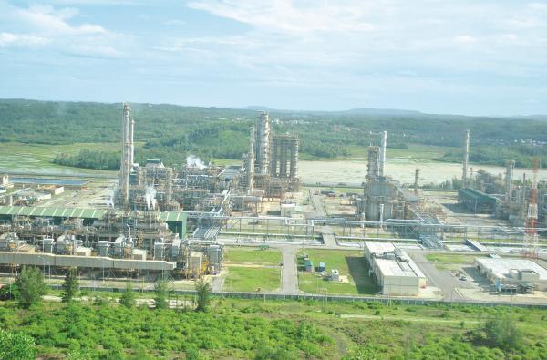 Ưu đãi lọc dầu: Đến đâu là đủ?