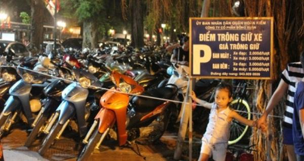 """Những địa điểm gửi xe chơi Noel không lo """"chặt chém"""" ở Hà Nội"""