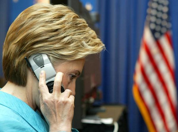 Lần đầu nhận điện thoại của Đệ nhất phu nhân Nhà trắng, tôi đã không kìm nén được cảm xúc và buột miệng … chửi thề!