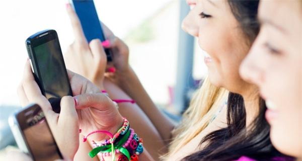 Người Việt kiểm tra smartphone 150 lần mỗi ngày, cơ hội cho thương mại di động bùng nổ