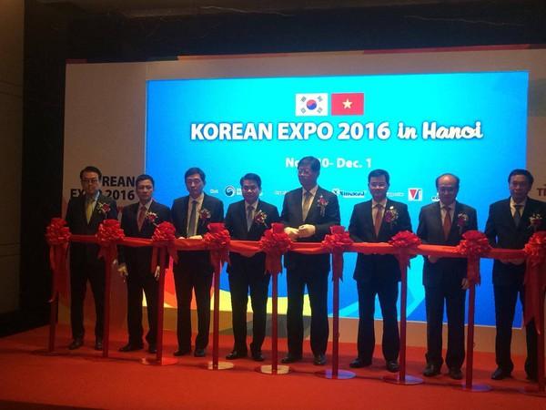 Chủ tịch Nguyễn Đức Chung: Hà Nội sẽ cải thiện môi trường đầu tư theo hướng minh bạch