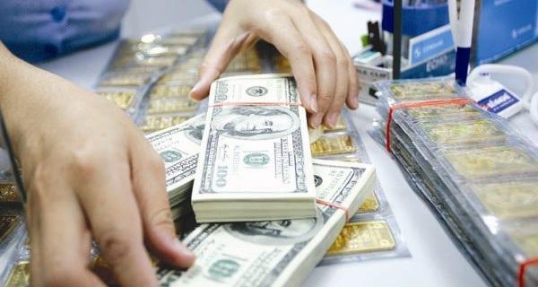 Hiểu đúng về con số 7,3 tỷ USD: Có phải là tiền gửi ra nước ngoài của người Việt?