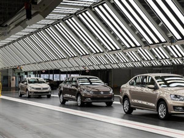 Thu phí khí thải ô tô dưới 7 chỗ: chỉ dành cho doanh nghiệp