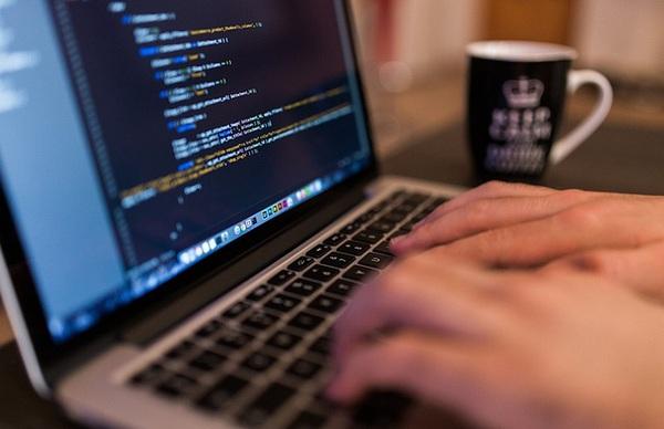 Không phải cứ biết code là làm được lập trình viên chuyên nghiệp, còn 4 kỹ năng nữa bạn phải ghi nhớ