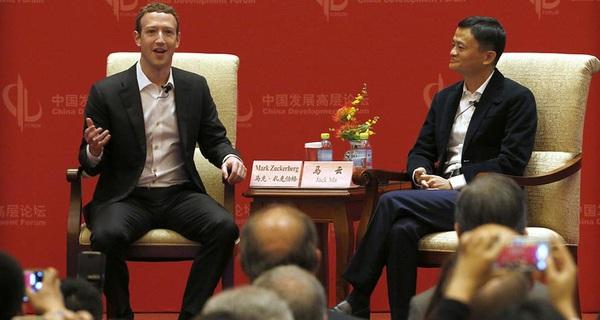 Mark Zuckerberg tranh luận với Jack Ma: Người Mỹ thực tế, người Hoa 'cổ động'