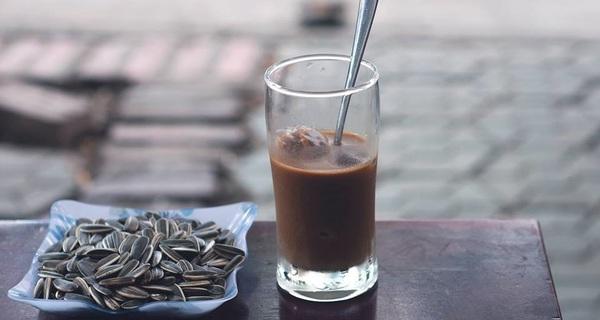 Nhiều người Việt đang uống phụ gia, hóa chất mà cứ tưởng mình đang uống cà phê
