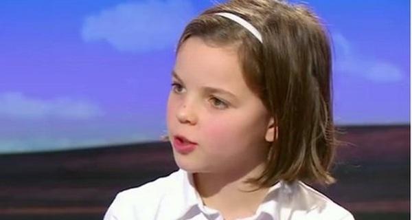 Bé gái 10 tuổi bình luận gây sốc nhà báo kỳ cựu