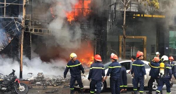 Triệu tập bà chủ quán karaoke xảy ra vụ cháy khiến 13 người chết lên công an làm việc