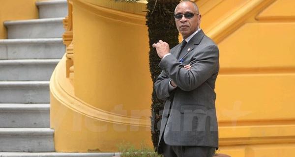 Tổng thống Obama mang cả người đóng thế tới Việt Nam?