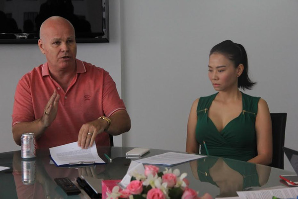 """Chồng ca sĩ Thu Minh kinh doanh gì để bị đối tác tố """"lừa"""" 20 tỷ đồng?"""