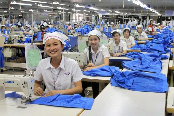 Doanh nghiệp dệt may Việt Nam đang mất đơn hàng vào tay Myanmar và Lào
