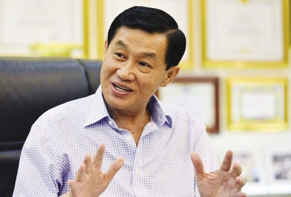 Công ty của đại gia Johnathan Hạnh Nguyễn dùng nguyên liệu hết hạn sử dụng