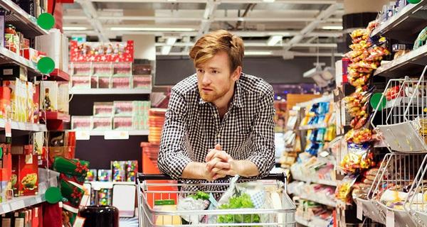 Đi siêu thị mua đồ ăn