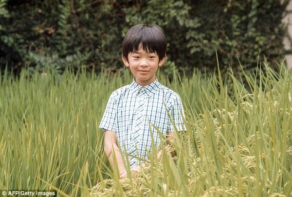 Hoàng tử nhí Nhật Bản được nuôi dạy thế nào trong gia đình hoàng gia?