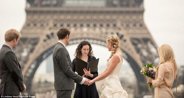 Với 10.000 bảng Anh, cặp đôi này đã tổ chức đám cưới vòng quanh thế giới như thế nào?