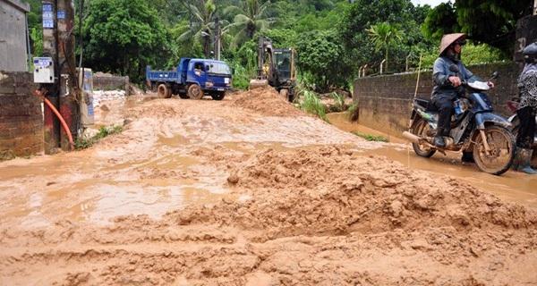 Quảng Ninh: Hàng nghìn khối bùn đất từ dự án thi công sân golf thuộc FLC tràn xuống nhà dân