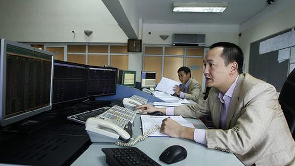 Hệ thống điện Việt Nam bị nguy hiểm khi bán điện cho Campuchia