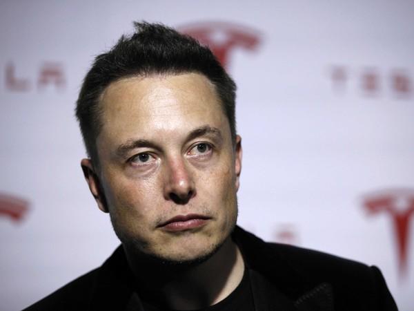 Mãi chẳng có lãi, Elon Musk viết mail nạt nộ nhân viên Tesla: Bán thật nhiều xe và giảm chi phí tối đa cho tôi!