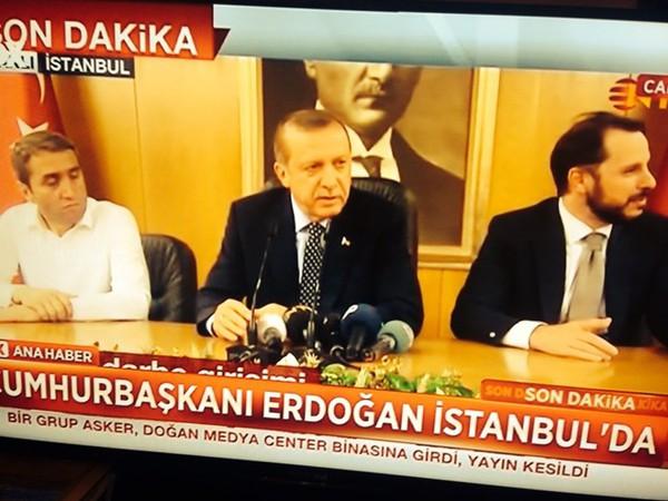 Tổng thống Thổ Nhĩ Kỳ đi nghỉ mát khi xảy ra cuộc đảo chính