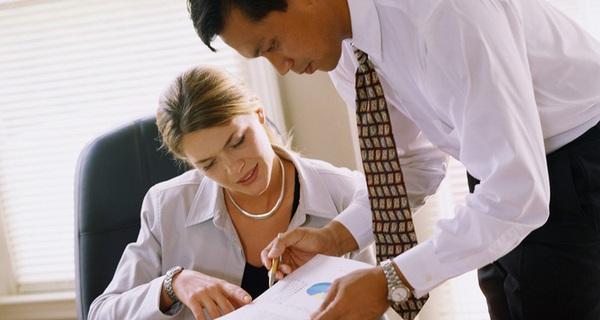 Chuyên gia nước ngoài làm việc tại Việt Nam phải có bằng đại học trở lên