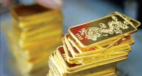 Lỡ mua vàng 38 triệu/lượng, nên bán ra hay giữ chờ giá lên?