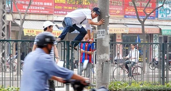 [Infographics] Hà Nội xử phạt người đi bộ vi phạm luật giao thông