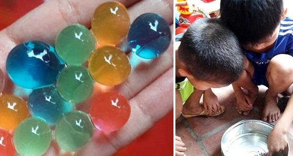Cảnh giác với hạt nhựa nở gây hại được bày bán tràn lan gần cổng trường tiểu học