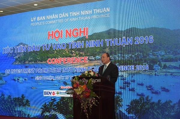 """Thủ tướng Nguyễn Xuân Phúc: """"Nếu vi phạm về môi trường phải đóng cửa nhà máy"""""""