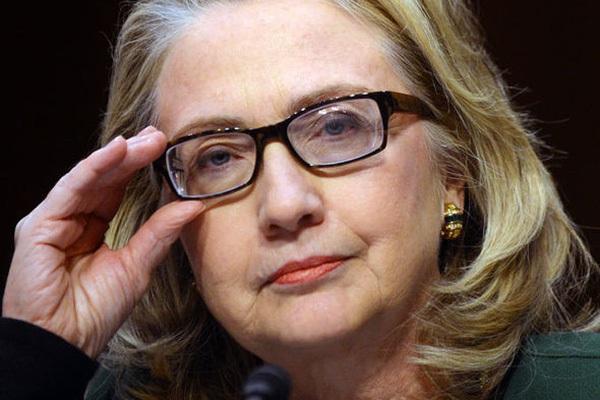 Tiết lộ cực sốc: Bà Hillary Clinton chỉ còn sống được 1 năm nữa?