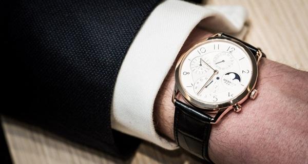 Chức năng khó tin bên trong chiếc đồng hồ mỏng nhất thế giới của Hermès