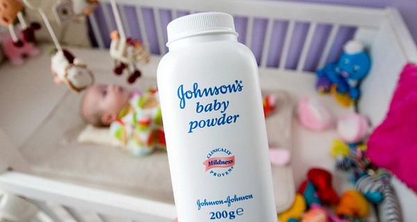 Bột Talc nghi trong phấn rôm của Johnson & Johnson gây ung thư phổi và buồng trứng