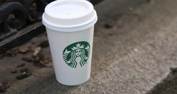 """Từ thứ đồ uống được coi là nhạt nhẽo, đây là cách mà Starbucks đã """"hô biến"""" cà phê của mình thành thương hiệu toàn cầu"""