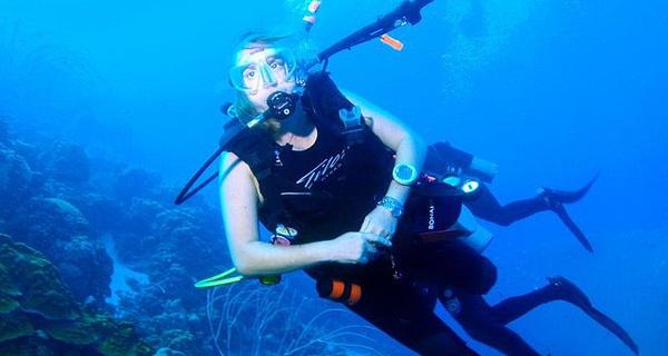 """Trước khi có đồng hồ lặn, """"người nhái"""" dùng cách gì để đo thời gian dưới nước?"""