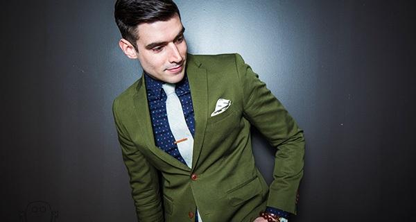 Hãy chọn bộ đồ màu Xanh lá cây khi đi hẹn hò hay dự tiệc, bạn sẽ trở nên cực kỳ quyến rũ và mạnh mẽ