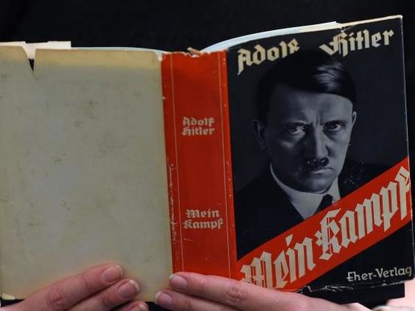 Hitler từng kiếm bộn tiền nhờ viết sách