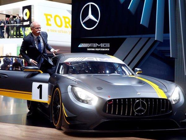 BMW tỏ ra hụt hơi trước Mercedes, Audi đầu năm 2016