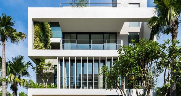 Ngôi nhà đầy cảm hứng và an yên với những bức tường cây xanh độc đáo ở Sài Gòn