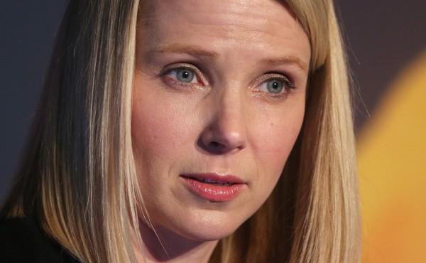 Yahoo có thể bị tờ báo lá cải Daily Mail của Anh thâu tóm