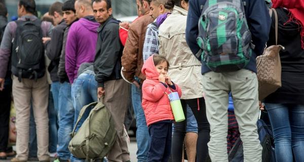 """Phải mất 10 năm để biến dân nhập cư thành """"lao động hữu dụng"""" cho nền kinh tế Đức"""