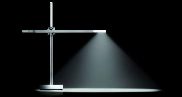 Phát minh lại thành công chiếc bóng đèn, có thể phát sáng đến tận đời cháu chắt của bạn
